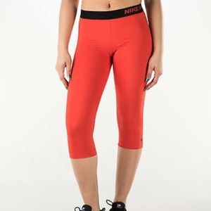 Nike Pro Dri - fit Core Compression Capri • Size S
